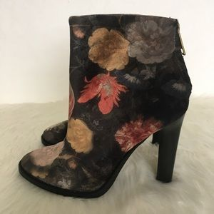 Joie Floral Velvet Ankle Booties / Size 6.5